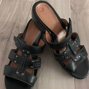 Clarks Unstructured Black Leather Wedge Sandals 7M